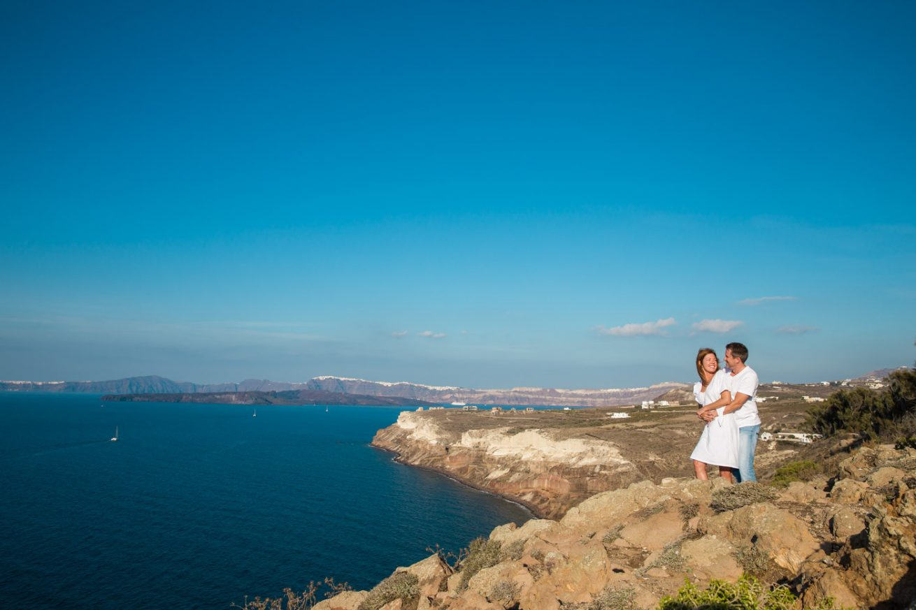 Photoshooting at Santorini's Hotospots - Jason + Lisa-3